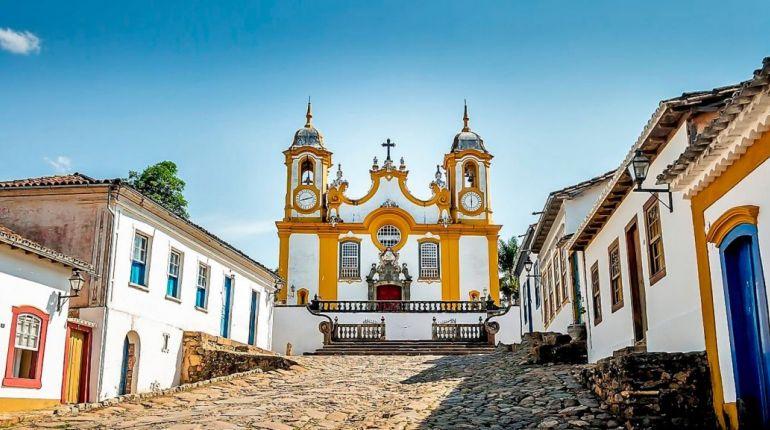 Minas Históricas & Curitiba